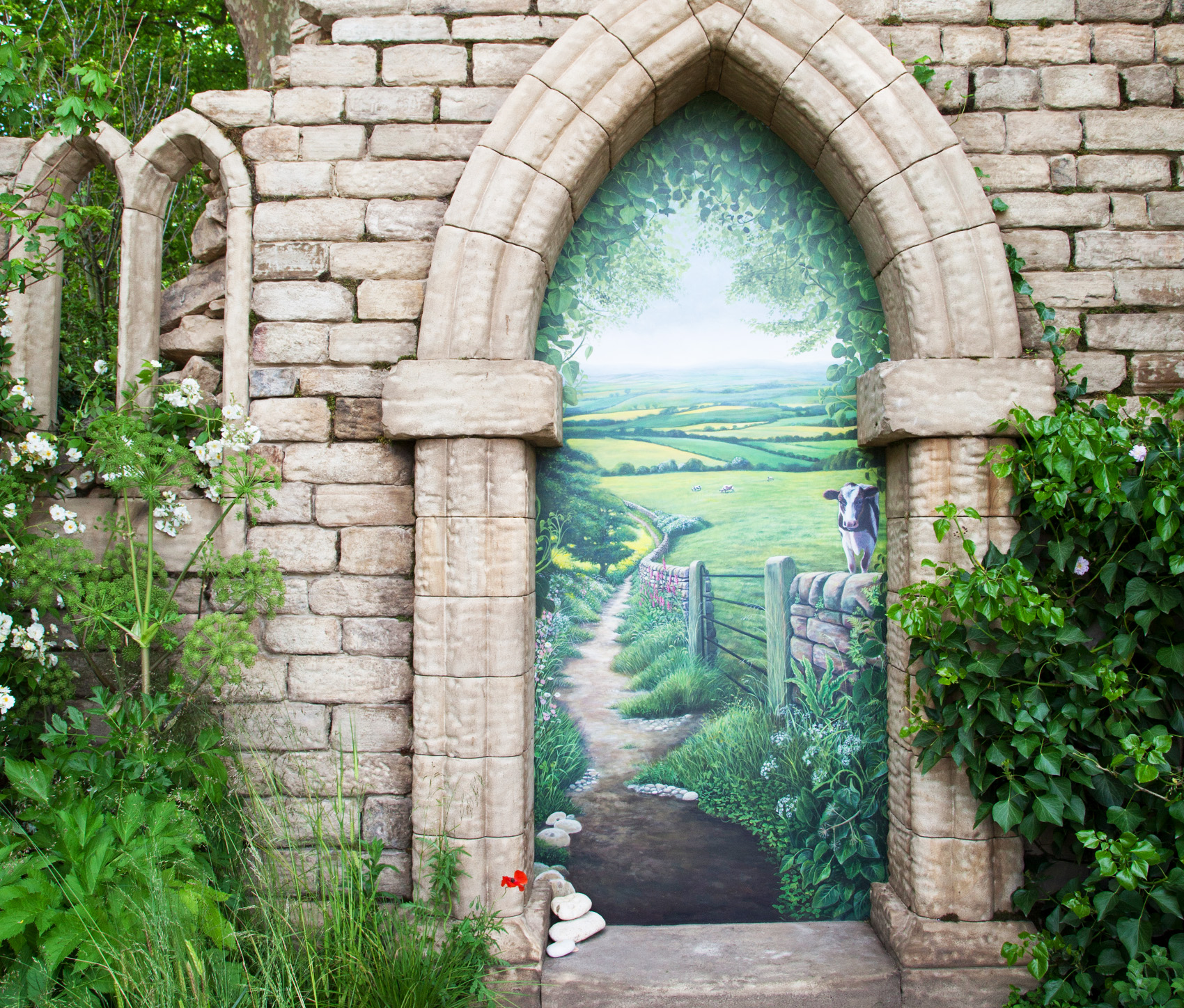 Stone-arch-Welcome-to-Yorkshire-Garden-4