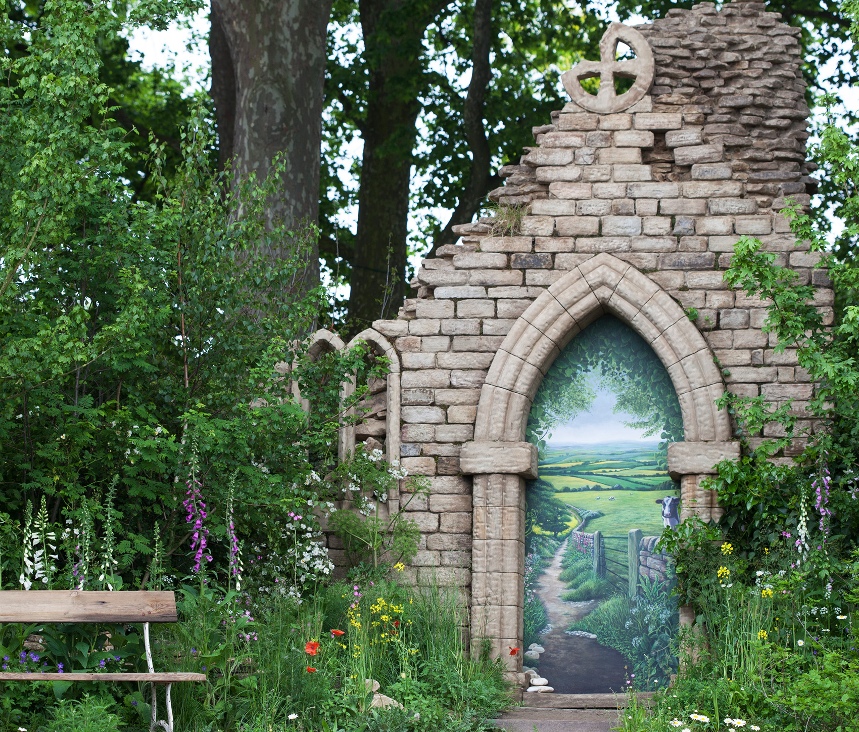Stone-arch-Welcome-to-Yorkshire-Garden